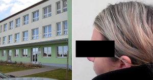 Syna mi mlátili, tak začal taky šikanovat, říká máma žáka z Pelhřimova. Dětem tu strkali hlavy do WC