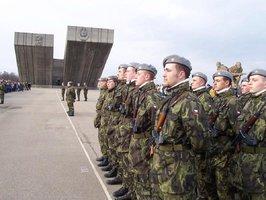 Na zahraniční mise vyrazí letos 810 českých vojáků. Loni jich bylo víc