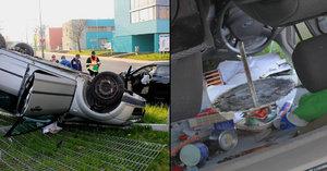 Řidič z Plzně vezl v autě pilu: Při nehodě ho pořezala!