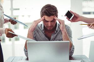Jaká jsou rizika sedavého zaměstnání? Zkažené oči a problémy s páteří!