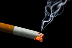 Protikuřácký zákon prošel opět vládou. Restaurace mají být bez kouře příští rok