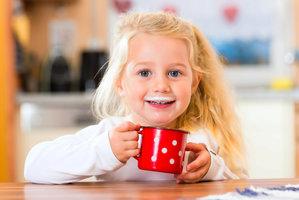 Českým dětem chybí vápník! Hrozí jim osteoporóza, zlomeniny i zubní kazy