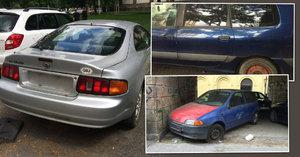 Autovraky v Praze: Zabírají místa k parkování a dva měsíce trvá, než z ulice zmizí
