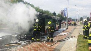 Na Evropské hořel další autobus s cestujícími: Škoda je 1,5 milionu