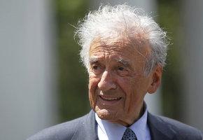 Muž, který pojmenoval holocaust: Spisovatele Wiesela (†87) vezli do koncentráku přes Prahu