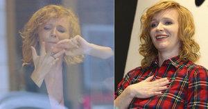 Aňa Geislerová vyrazila na lov šperků: Luxusní prsten jí uvízl na prstu