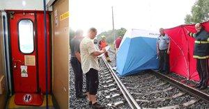 Holčička (†3) vypadla z vlaku a zemřela: Vlak jel s otevřenými dveřmi!