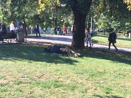 Bezdomovci se v Praze 2 trvale nezdržují: Pomocníci v terénu ale ví, kde se potkávají