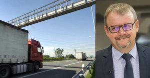 Ťok chce zpoplatnit dalších 900 kilometrů silnic. Řidiče to má stát miliardu