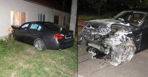 Opilý řidič na Znojemsku své BMW zaparkoval v obýváku cizího domu