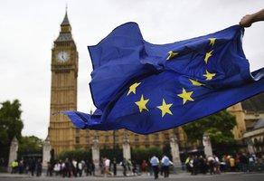 Start brexitu může mít další zpoždění. Lordi schválili nový dodatek k zákonu