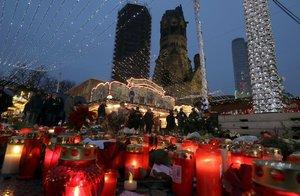 Měl cejch teroristy z Berlína. Navida prý svázali, bili a bojí se o život