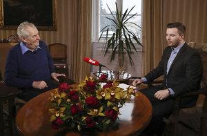 Zeman prolomí mlčení o prezidentské kandidatuře. Půjde zas do boje o Hrad?