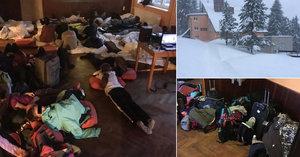 Sníh uvěznil české školáky na lyžařském výcviku. Nedostanou se z hotelu
