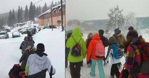 Dramatická cesta školáků uvízlých na horách. Ve vichru a mrazu sjeli lanovkou
