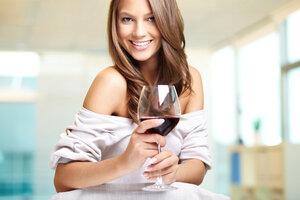Sladkosti a alkohol: Co je při hubnutí horší a vy to nebudete smět?