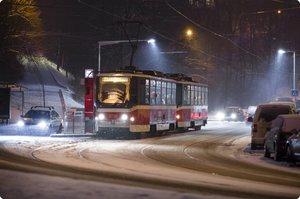 Dělníci se vrátili na trať mezi Michlí a Spořilovem. Tramvaje jezdí jinudy