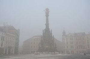 Smog je zpět v Česku. Dusí lidi na Ostravsku, Olomoucku i Zlínsku