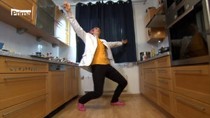 V Prostřeno dnes vaří youtuber Oldřich alias Metadon: Z jídla i zábavy hosté nevěřícně zírají!