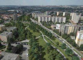 Spořilovskou ulici možná odhluční střecha: Praha 4 chce nejdřív debatu s lidmi