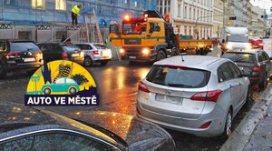 Auta s oranžovým majákem omezují dopravu: Musíme jejich chování strpět?
