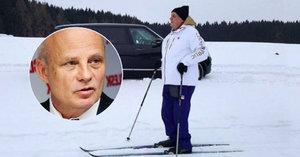 """Zeman vzkázal Horáčkovi: Špatně vidíte. A mluvil o """"hnusu"""" na běžkách"""