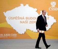 Soumrak ČSSD a 139. narozeniny: Před volbami mizí známé tváře i řadoví členové