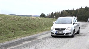 Tady jedou auta do kopce i s vypnutým motorem: Na Slovensku selhává gravitace?