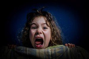Strach, křik a pláč uprostřed noci? Dětské noční děsy musí rodiče řešit