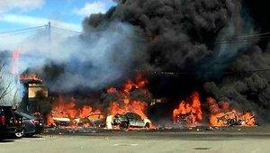 Letadlo v New Jersey narazilo do budovy. Ohnivé peklo nikdo nepřežil