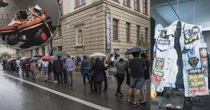 Dlouhá fronta na cestu do mládí! Výstava KMENY 90: Graffiti, skejty, »elpíčka« i lávové lampy