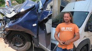 »Anděl z BMW« přitahuje bouračky a pomáhá: Lidi zastaví, nafotí krev a jedou dál