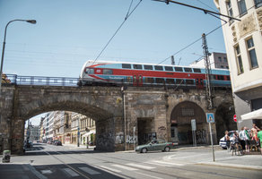 Oprava Negrelliho viaduktu: Vlaky v Praze budou jezdit jinak dva roky