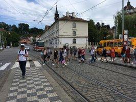 Malostranská má být bezpečnější. Bude mít lepší řešení dopravy i cestu na Hrad