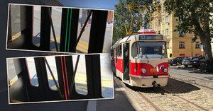 Prahou jezdí nová tramvaj T3. Její dveře mění barvu