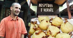 Jiří (45) přečkává dlouhé zimy ve stanu. Teplé jídlo zdarma mu pomáhá začlenit se do společnosti