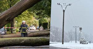 Česko zasáhne v neděli extrémní vichr se sílou až 160 km/h. Napadne i sníh