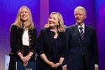 Hillary Clinton bude podruhé babičkou! Dcera Chelsea je těhotná