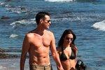 Jim Carrey předvedl nejen svou mladou přítelkyni, ale i sexy tělo