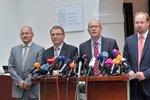 """Sobotka by měl být znovuzvolen stranickým """"referendem"""", vyzývá pučista Tejc"""