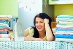Zapomeňte na žehlení! 6 geniálních triků, jak zatočit se zmačkaným oblečením