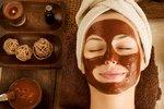Voňavá kosmetika: Zahřejte se čokoládou, skořicí a masážemi