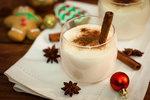 Nejlepší domácí likéry: Vaječňák, karamelový nebo kokosový