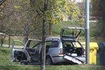 Ve Škodě Octavia v Milánské ulici v Praze explodovala bomba. Vážně zranila řidičku