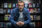 Světoznámý spisovatel Jo Nesbo v Praze: Nechte si podepsat jeho knihu
