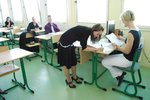 Státní maturity startují slohovkou z češtiny. Hodnotit se bude centrálně