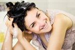 5 domácích masek na vlasy, které jsou bez chemie a fungují!
