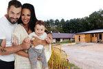 Noid staví dřevěnou chajdu za 800 tisíc, aby mohl s rodinou bydlet sám.