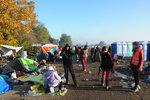 Tisíce uprchlíků, teploty padající k nule a ženy tisknoucí k sobě malé děti. Tak to je realita ze srbsko-chorvatských hranic. Čeští dobrovolníci tam už několik týdnů pomáhají.