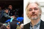 """Assange """"ukázal"""" na původ uprchlické krize: Je to záměrné vylidnění Sýrie"""